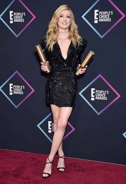 Katherine McNamara「People's Choice Awards 2018 - Press Room」:写真・画像(13)[壁紙.com]