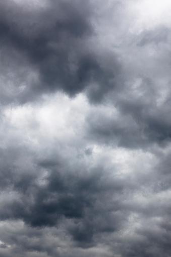 Overcast「stormy clouds」:スマホ壁紙(11)