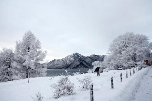 Nikko City「Chuzenji Lake in Winter」:スマホ壁紙(17)