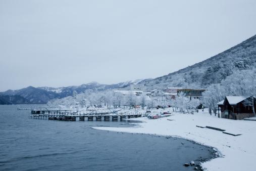 Nikko City「Chuzenji Lake in Winter」:スマホ壁紙(18)