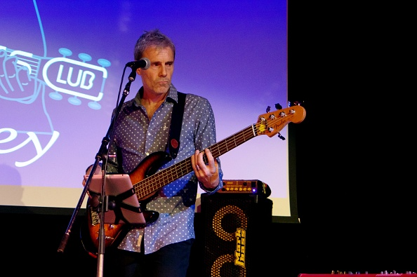 Bass Guitar「Andy Hodge, Hawth, Crawley, West Sussex, March 17, 2017」:写真・画像(6)[壁紙.com]
