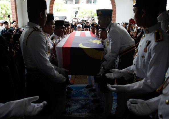 Place of Worship「Malaysia In Mourning As MH17 Bodies Return Home」:写真・画像(15)[壁紙.com]