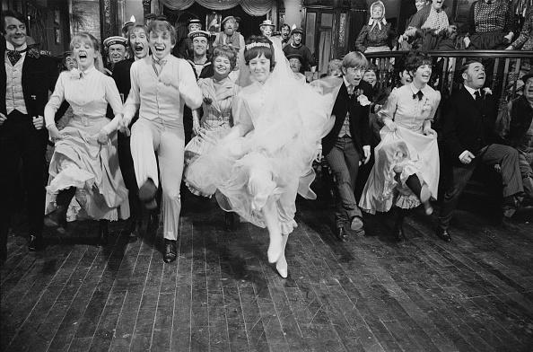 Wedding Dress「Half A Sixpence」:写真・画像(15)[壁紙.com]