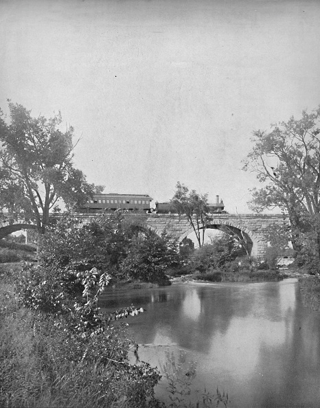 Water Surface「Mill Creek Bridge」:写真・画像(16)[壁紙.com]