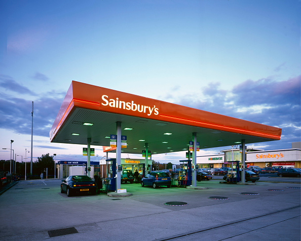 Gasoline「Petrol Filling Station at Sainsbury's Bradford」:写真・画像(18)[壁紙.com]