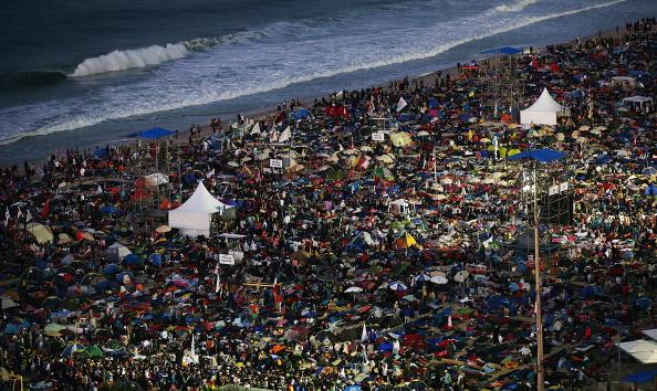 Mario Tama「Pope Francis Celebrates Mass On Copacabana Beach 」:写真・画像(15)[壁紙.com]
