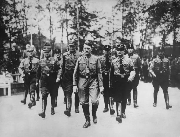 大人のみ「Hitler And Hess」:写真・画像(13)[壁紙.com]