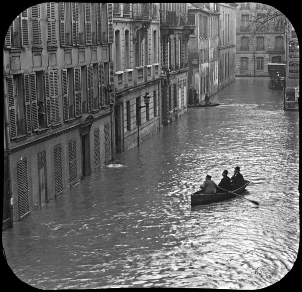 Seine River「flood in Paris in 1910 after rise in water level of the Seine river」:写真・画像(16)[壁紙.com]