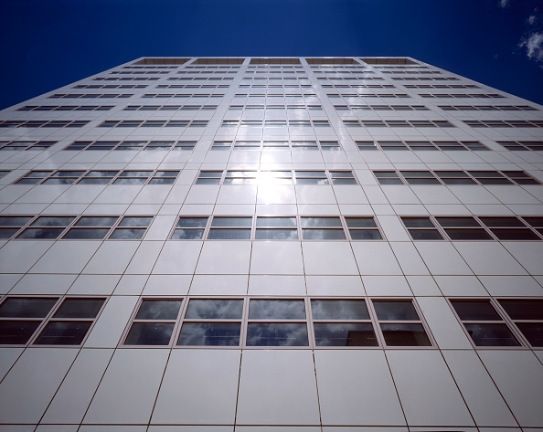 Shiny「White clad office block, London, United Kingdom.」:写真・画像(16)[壁紙.com]
