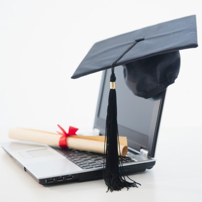 Mortarboard「Laptop with diploma and mortar board」:スマホ壁紙(4)