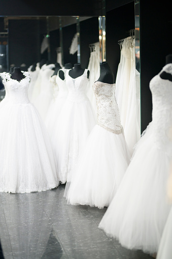 Fashion Collection「Beautiful wedding dresses」:スマホ壁紙(19)
