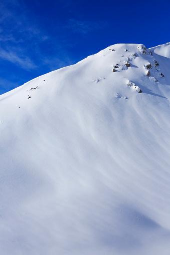 スキー「美しい風景雪の冬に、アルプスの山々のトップ」:スマホ壁紙(13)
