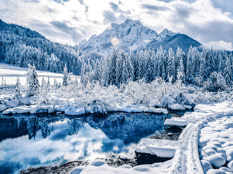 European Alps「Beautiful WIntertime landscape in European Alps」:スマホ壁紙(1)