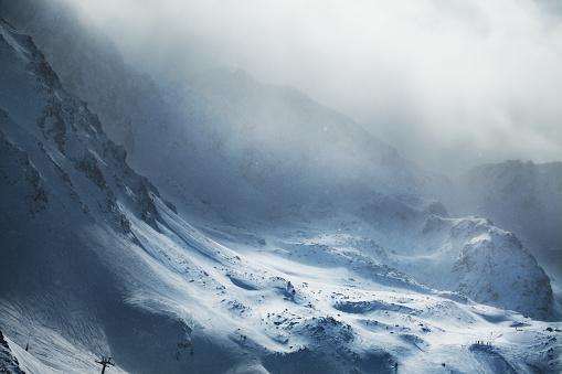 European Alps「Beautiful winter mountains on stormy weather」:スマホ壁紙(18)