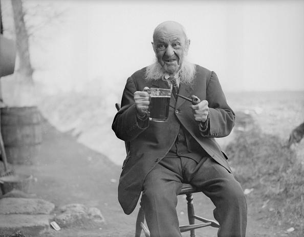 Beer - Alcohol「104 Year Old Jockey」:写真・画像(13)[壁紙.com]