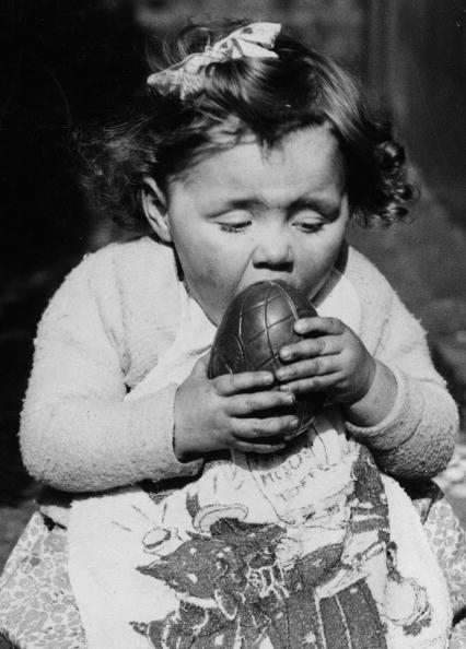 Easter「Eating Easter Egg」:写真・画像(8)[壁紙.com]