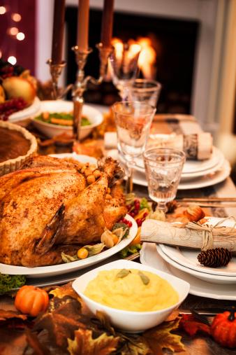 Turkey - Bird「Thanksgiving Dinner with Stuffed Turkey and Side Dishes」:スマホ壁紙(3)