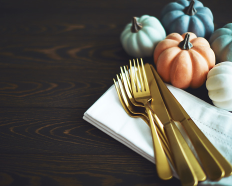Miniature Pumpkin「Thanksgiving Table Setting Background with Pumpkins」:スマホ壁紙(12)