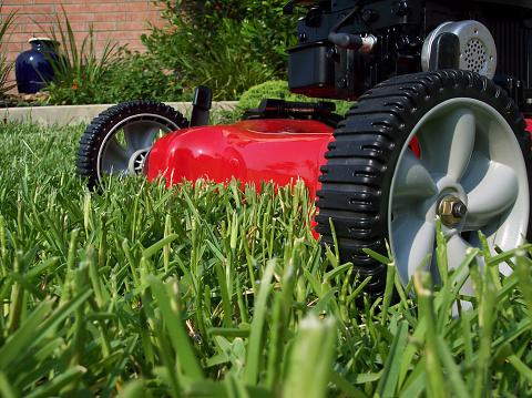 Mowing「Lawnmower cutting grass on a sunny day」:スマホ壁紙(14)