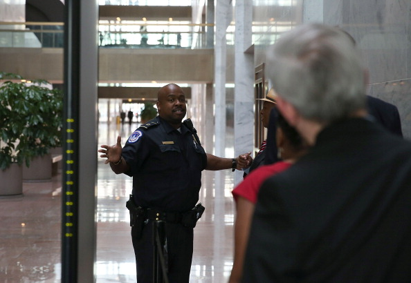 Entering「Hart Senate Office Building Partially Evacuated Over Suspicion Package」:写真・画像(16)[壁紙.com]
