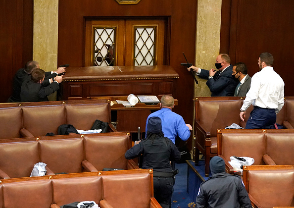 Protest「Congress Holds Joint Session To Ratify 2020 Presidential Election」:写真・画像(13)[壁紙.com]