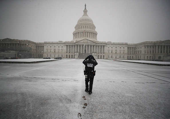 Snow「First Snow Fall Of Season Coats Washington, D.C.」:写真・画像(4)[壁紙.com]