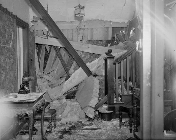 Furniture「Damaged Home」:写真・画像(4)[壁紙.com]