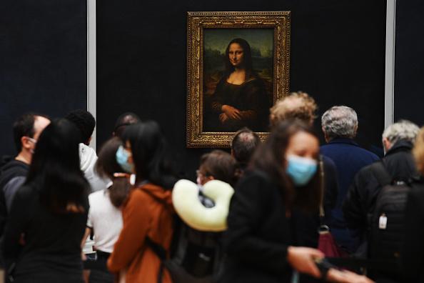 Visit「Le Louvre Museum Reopens To The Public」:写真・画像(19)[壁紙.com]