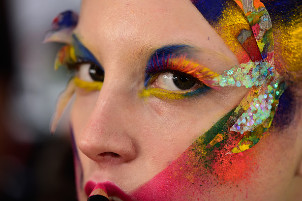 Macrophotography「The Power Of Colors - MAYBELLINE New York Make-Up Runway Backstage - Mercedes-Benz Fashion Week Berlin Autumn/Winter 2016」:写真・画像(12)[壁紙.com]