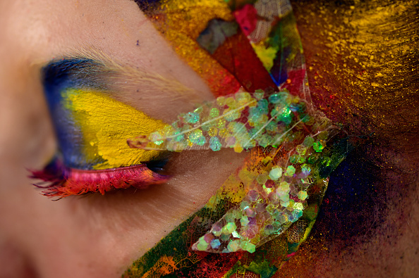 Macrophotography「The Power Of Colors - MAYBELLINE New York Make-Up Runway Backstage - Mercedes-Benz Fashion Week Berlin Autumn/Winter 2016」:写真・画像(11)[壁紙.com]