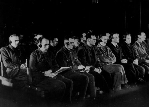 In A Row「Butchers Of Lidice」:写真・画像(4)[壁紙.com]
