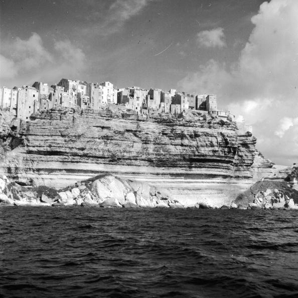 Coastline「Cliff Top Town」:写真・画像(9)[壁紙.com]