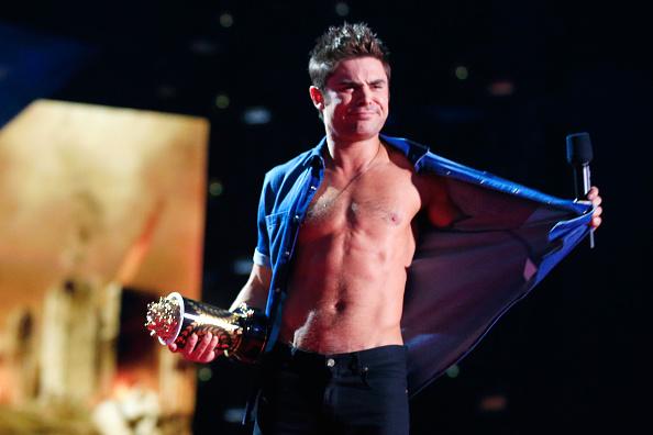 ザック・エフロン「2014 MTV Movie Awards - Show」:写真・画像(17)[壁紙.com]