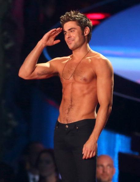 ザック・エフロン「2014 MTV Movie Awards - Show」:写真・画像(6)[壁紙.com]