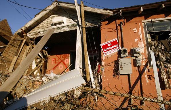 Destruction「New Orleans Residents Battle To Save Ninth Ward Homes」:写真・画像(9)[壁紙.com]