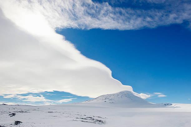 Mount Erebus, Ross Island, Antarctica:スマホ壁紙(壁紙.com)