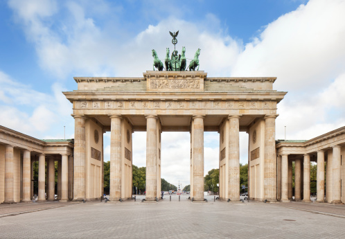 Statue「Brandenburger Tor, in Berlin, Germany」:スマホ壁紙(8)