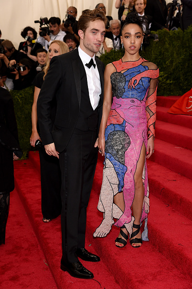 Robert Pattinson「'China: Through The Looking Glass' Costume Institute Benefit Gala - Arrivals」:写真・画像(1)[壁紙.com]