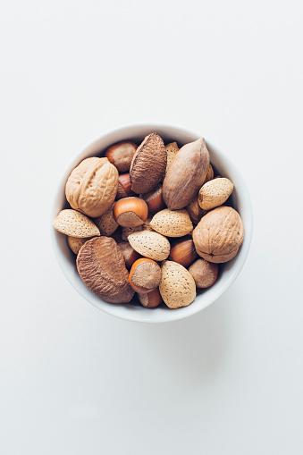 Walnut「Bowl of nuts」:スマホ壁紙(18)