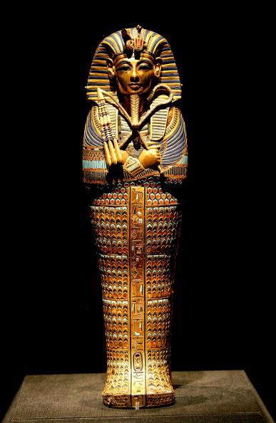 全身「'Tutankhamun And The Golden Age Of The Pharaohs' Exhibit Opening」:写真・画像(19)[壁紙.com]