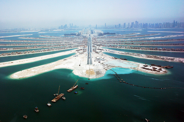 Construction Industry「Aerial of Dubai, United Arab Emirates. Palm Jumeirah, July 2007.」:写真・画像(9)[壁紙.com]