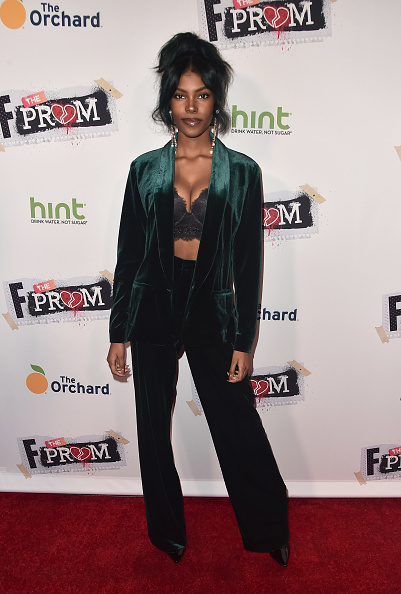 胸の谷間「Premiere Of The Orchard And Fine Brothers Entertainment's 'F*&% The Prom' - Arrivals」:写真・画像(10)[壁紙.com]