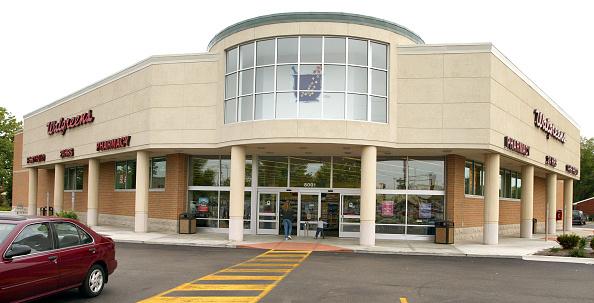 Entrance「Walgreen Co. May Sales Increase 12.3 Percent」:写真・画像(3)[壁紙.com]