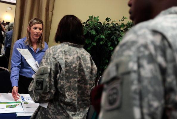 Responsibility「Fort Bragg Hosts Job Fair For Veterans」:写真・画像(1)[壁紙.com]