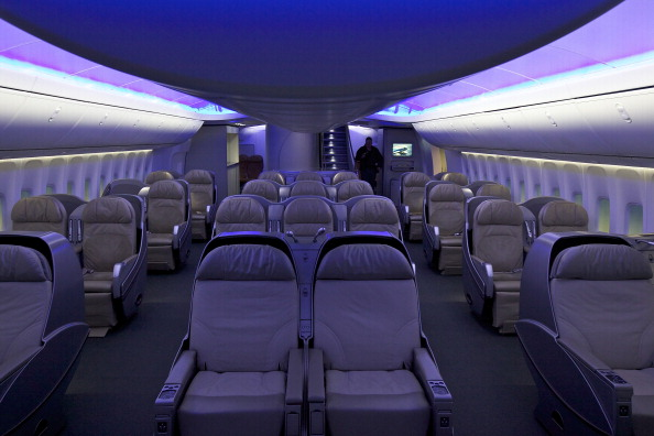 Passenger Cabin「Boeing Debuts New 747-8 Intercontinental」:写真・画像(17)[壁紙.com]