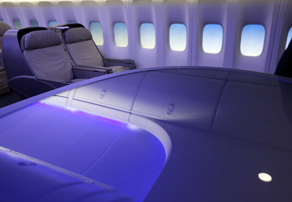 Passenger Cabin「Boeing Debuts New 747-8 Intercontinental」:写真・画像(13)[壁紙.com]