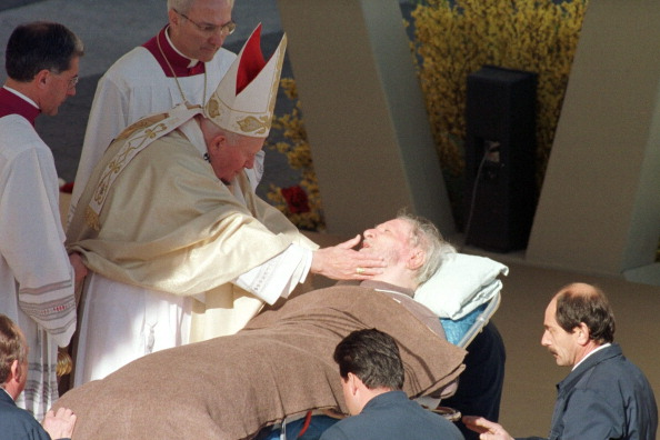 Religious Mass「Pope John Paul II」:写真・画像(11)[壁紙.com]