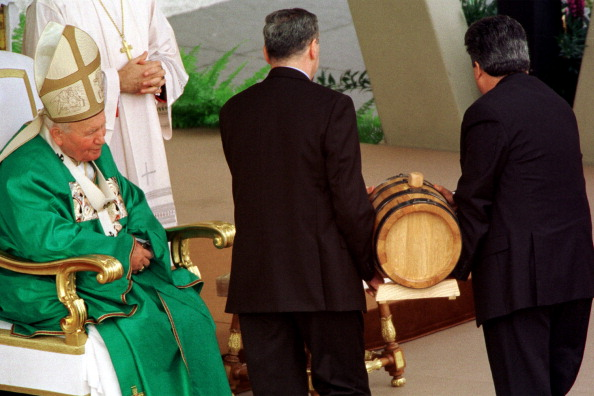 Religious Mass「Pope John Paul II」:写真・画像(2)[壁紙.com]