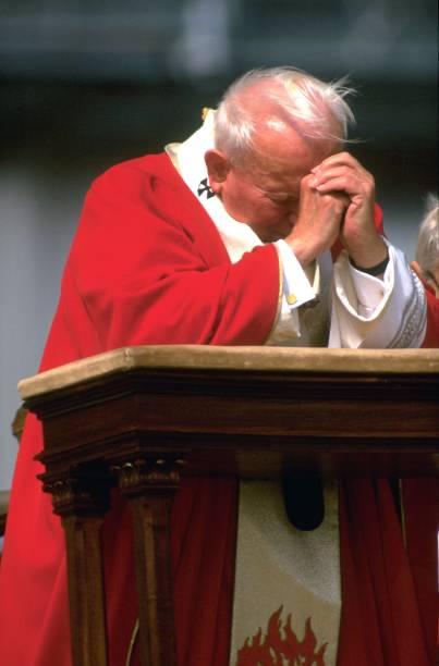 Pope John Paul II Celebrates Easter:ニュース(壁紙.com)