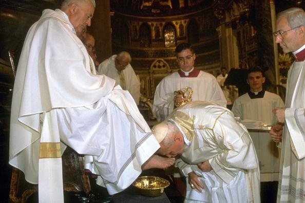 Religious Mass「Pope John Paul II Celebrates Easter」:写真・画像(8)[壁紙.com]